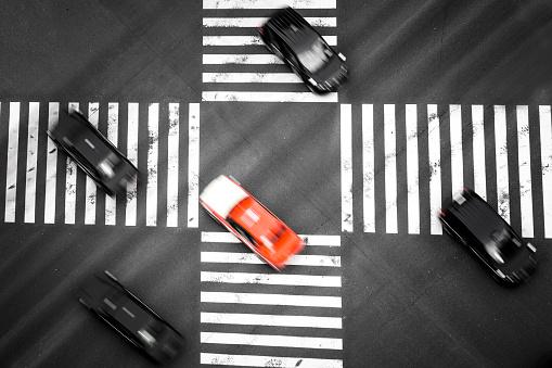 東京都中央区「上からスクランブル交差点の横断歩道を見てください。」:スマホ壁紙(10)