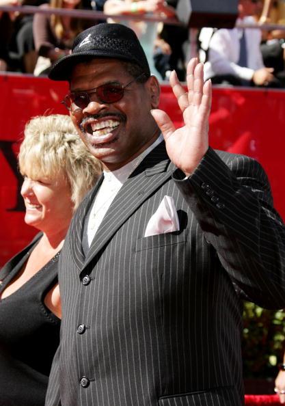 Leon Spinks「2006 ESPY Awards - Arrivals」:写真・画像(10)[壁紙.com]