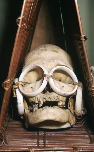 Model - Object「Model boat containing a chief's skull from the Solomon Isles.」:写真・画像(17)[壁紙.com]