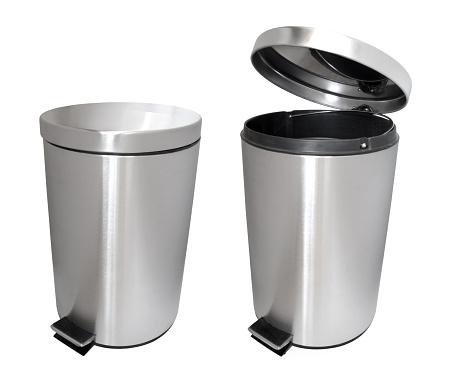 Wastepaper Basket「Closed garbage bin and an open garbage bin」:スマホ壁紙(12)