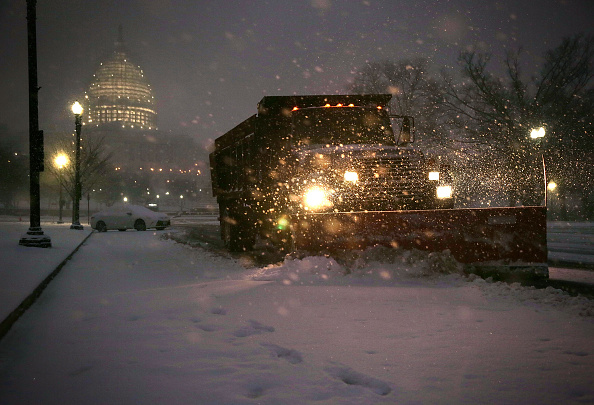 Alex Wong「Mid Atlantic States Prepare For Large Snow Storm」:写真・画像(12)[壁紙.com]
