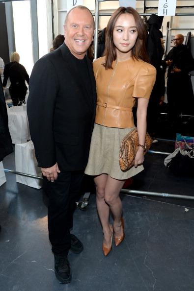 Larry Busacca「Michael Kors - Backstage - Mercedes-Benz Fashion Week Fall 2014」:写真・画像(12)[壁紙.com]