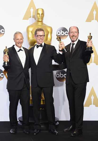 Small Group Of People「88th Annual Academy Awards - Press Room」:写真・画像(12)[壁紙.com]