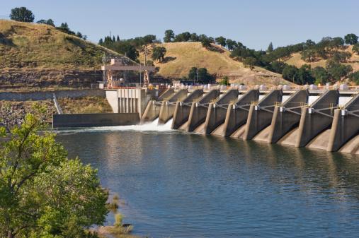 アメリカン川「nimbus ダム、放水路」:スマホ壁紙(4)