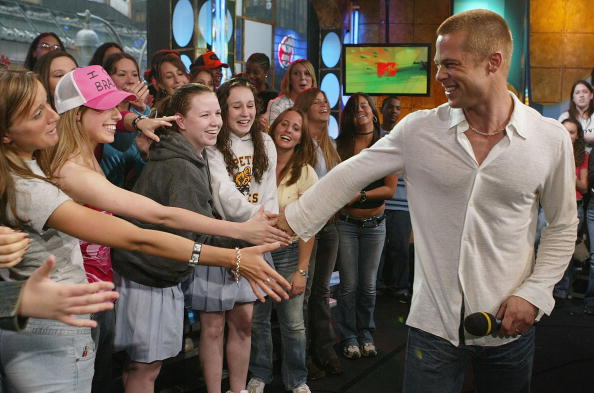 俳優「Brad Pitt on MTV's TRL」:写真・画像(8)[壁紙.com]