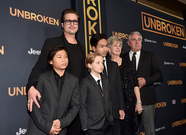 "Family「Premiere Of Universal Studios' ""Unbroken"" - Red Carpet」:写真・画像(17)[壁紙.com]"