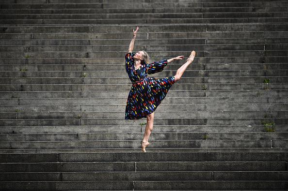 Dancer「UK Eases Some Restrictions In Eighth Week Of Coronavirus Lockdown」:写真・画像(8)[壁紙.com]