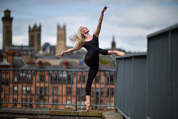 Dancer「UK Eases Some Restrictions In Eighth Week Of Coronavirus Lockdown」:写真・画像(13)[壁紙.com]