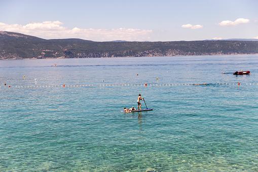 サーフィン「Bay on Krk in Croatia」:スマホ壁紙(11)