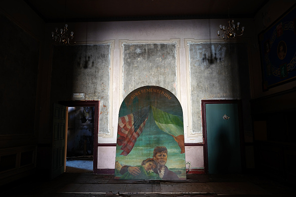 Liverpool F「Restoration Begins On The Wellington Rooms In Liverpool」:写真・画像(14)[壁紙.com]