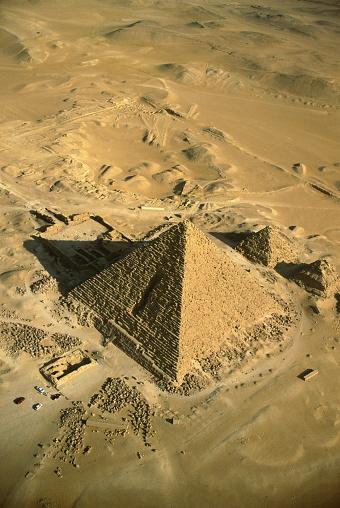 Ancient Civilization「Egypt,Giza,aerial view of Pyramid of Mycerinus」:スマホ壁紙(16)