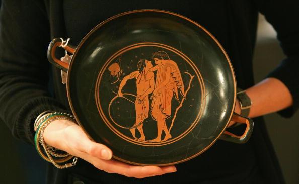 Antique「Ancient Kylix Goes On Auction At Bonhams」:写真・画像(16)[壁紙.com]