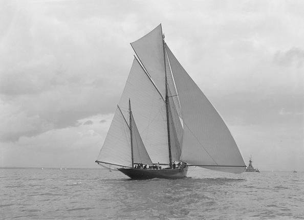 Cutting「The Yawl Harbinger Running Downwind」:写真・画像(10)[壁紙.com]