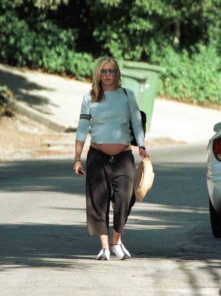 ������ ������「Singer Madonna Walks To Her Car After Visiting A Friend...」:写真・画像(5)[壁紙.com]