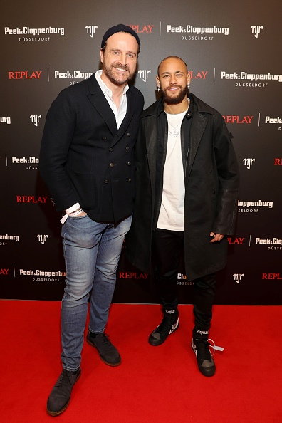 Neymar da Silva「Capsule Collection Neymar Jr. X Replay At Weltstadthaus Duesseldorf」:写真・画像(7)[壁紙.com]