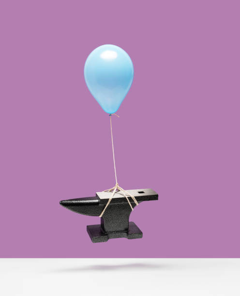 Balloon lifting an anvil:スマホ壁紙(壁紙.com)