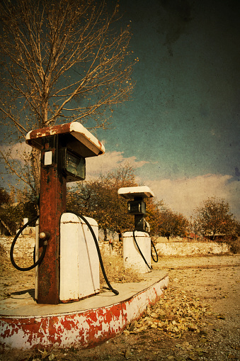 Auto Post Production Filter「Retro-style photo of abandoned gas station pumps」:スマホ壁紙(0)