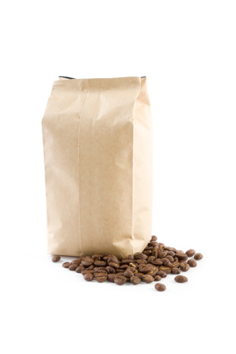 Roasted Coffee Bean「bag with coffee beans isolated on white」:スマホ壁紙(13)