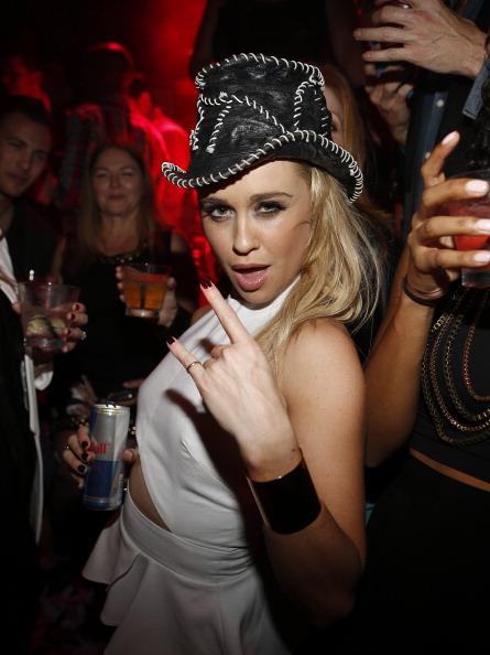 Red Bull「Glee's Becca Tobin Celebrates Her Birthday At Hyde Bellagio」:写真・画像(19)[壁紙.com]