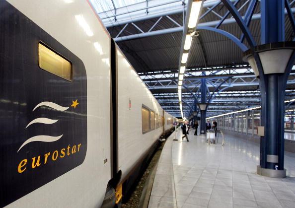 Cate Gillon「Eurostar in Brussels Midi Station」:写真・画像(6)[壁紙.com]