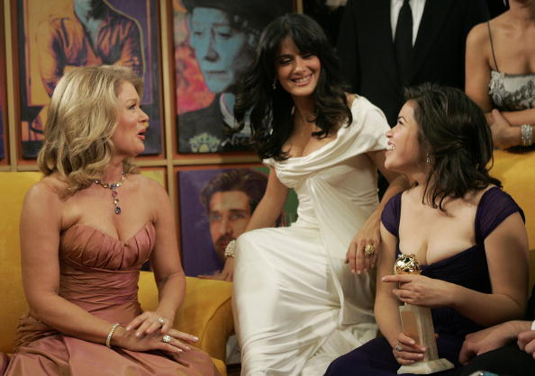 Entertainment Tonight「Backstage With Stars For A Cause At The Golden Globes」:写真・画像(6)[壁紙.com]