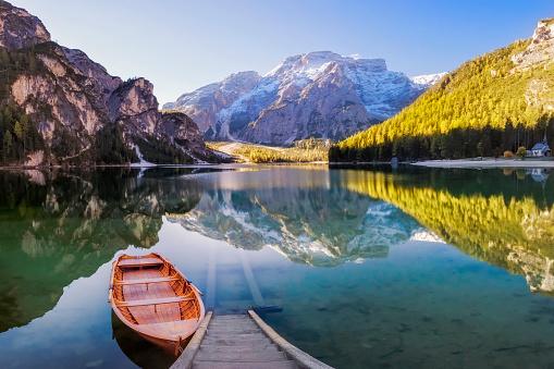 アディジェ川「ブラーイエス オーデル Pragser Wildsee イタリアのアルプスの」:スマホ壁紙(3)