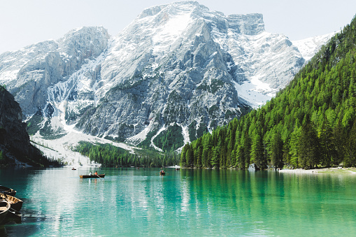 Trentino-Alto Adige「Lago Di Braies mountain lake in Dolomites Alps」:スマホ壁紙(18)
