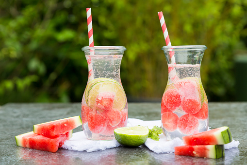 スイカ「Two carafes of infused water with watermelon and lime」:スマホ壁紙(17)