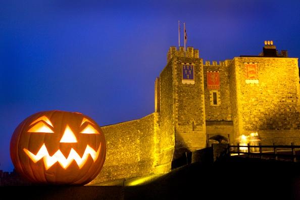 Lighting Technique「Carved Halloween Pumpkin At Dover Castle」:写真・画像(10)[壁紙.com]