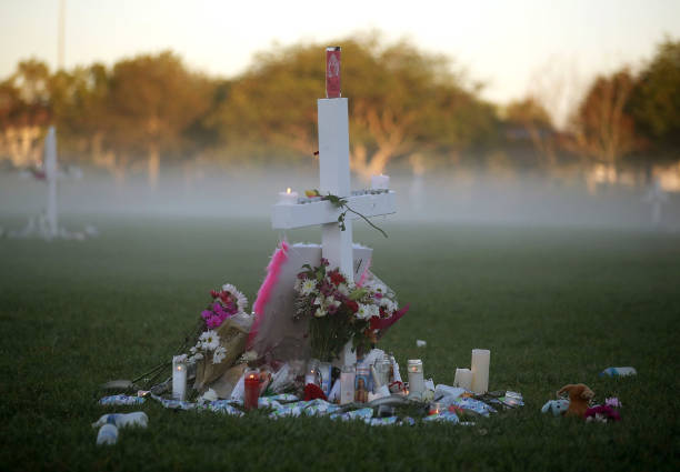 Memorial Event「Florida Town Of Parkland In Mourning, After Shooting At Marjory Stoneman Douglas High School Kills 17」:写真・画像(18)[壁紙.com]