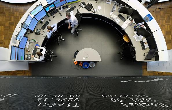 Trader「Frankfurt Stock Exchange Reacts To EU Referendum Vote Result」:写真・画像(11)[壁紙.com]
