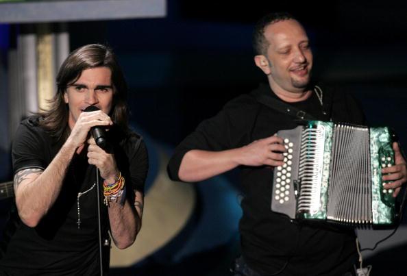Accordion - Instrument「6th Annual Latin Grammy Awards - Show」:写真・画像(19)[壁紙.com]