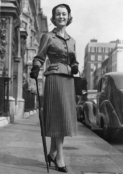Skirt「Jean Dawnay」:写真・画像(11)[壁紙.com]