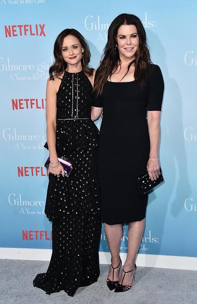 アレクシス ブレデル「Premiere Of Netflix's 'Gilmore Girls: A Year In The Life' - Arrivals」:写真・画像(9)[壁紙.com]