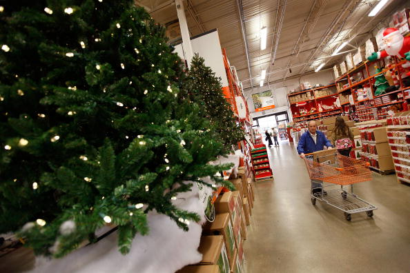 Christmas「Struggling Retailers Launch Holiday Shopping Season Especially Early」:写真・画像(18)[壁紙.com]
