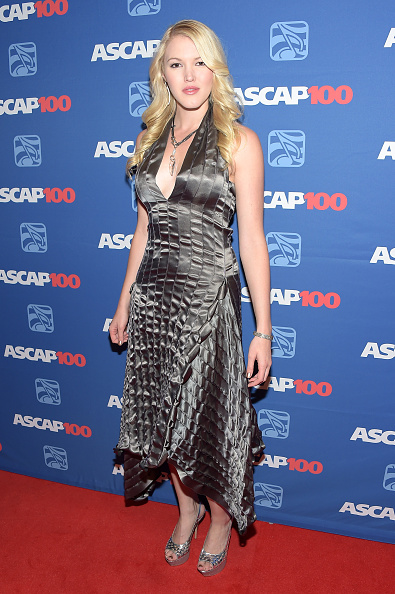 Layered Dress「52nd Annual ASCAP Country Music Awards - Arrivals」:写真・画像(19)[壁紙.com]