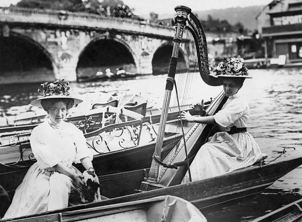 1908年「Harpist At Henley」:写真・画像(16)[壁紙.com]