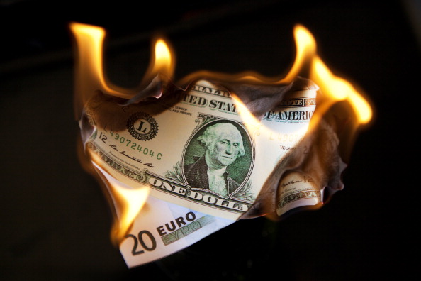 Money to Burn「Financial Crisis」:写真・画像(4)[壁紙.com]