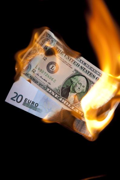 Money to Burn「Financial Crisis」:写真・画像(6)[壁紙.com]