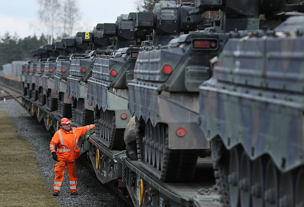 Transportation「Bundeswehr Ships Heavy Weaponry To Lithuania」:写真・画像(12)[壁紙.com]