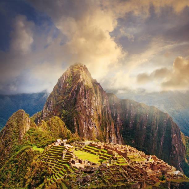Ruins of Machu Picchu in Peru:スマホ壁紙(壁紙.com)