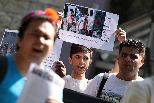 Kabul「Afghans Protest Deportations Following Kabul Bombing」:写真・画像(4)[壁紙.com]