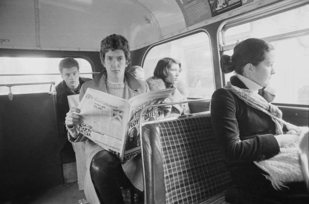 Steve Jones on a Bus:ニュース(壁紙.com)