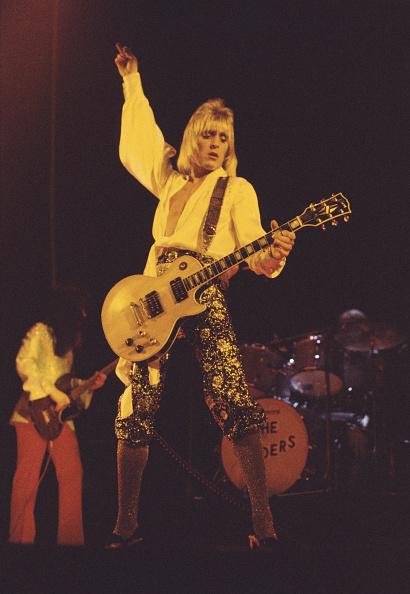 カラー画像「Mick Ronson On Ziggy Stardust Tour」:写真・画像(16)[壁紙.com]
