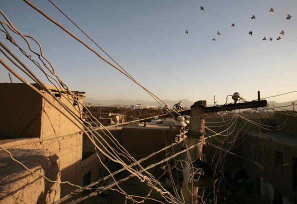 Paula Bronstein「Erractic Electricity Supplies Hinder Life In Kabul」:写真・画像(9)[壁紙.com]