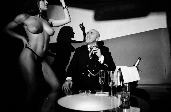 Clubbing「Ex-gangster at nightclub」:写真・画像(2)[壁紙.com]