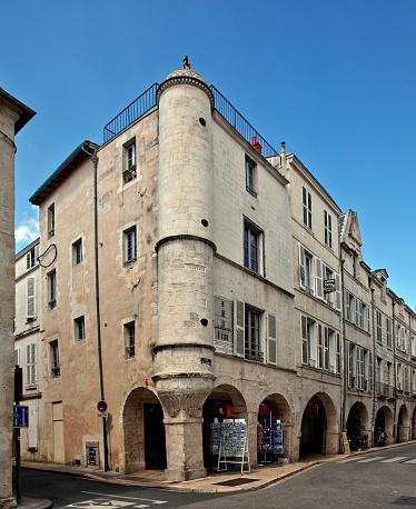 Nouvelle-Aquitaine「The Chaudrier street in La Rochelle」:スマホ壁紙(13)