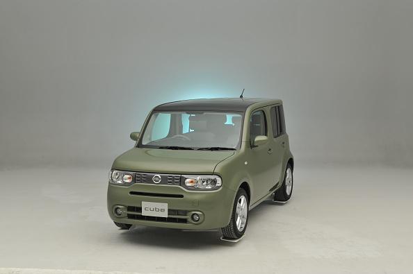 Finance and Economy「Nissan Cube 2008」:写真・画像(17)[壁紙.com]