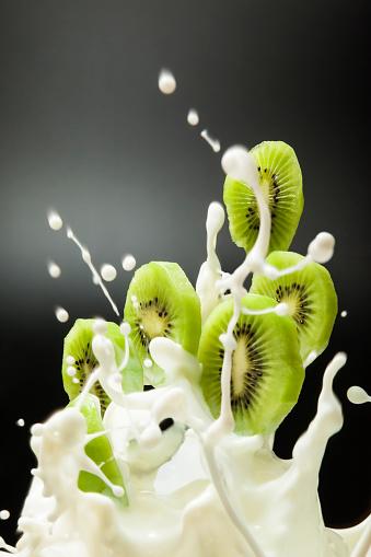 Kiwi「Milk lift Key Ui」:スマホ壁紙(7)