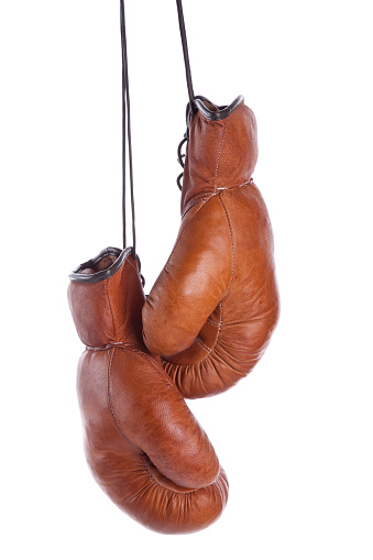 Boxing - Sport「Pair of old-fashioned boxing gloves on a white background」:スマホ壁紙(12)